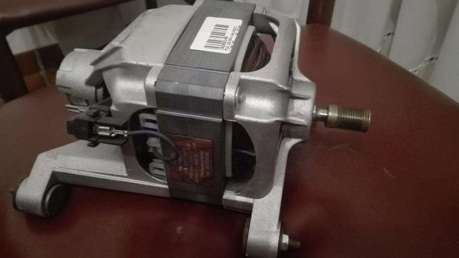 Motor maquina lavar roupa ARISTON LBE88