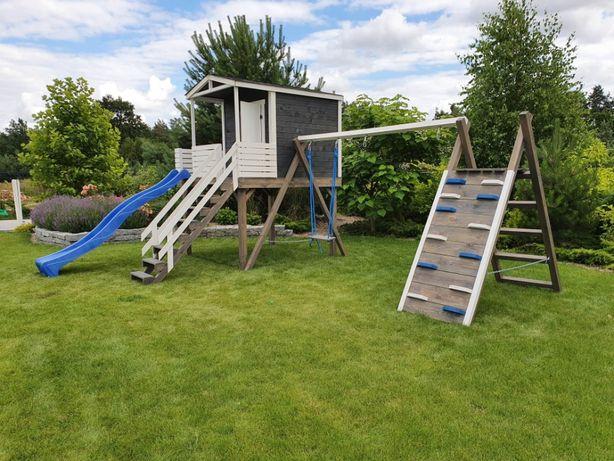 Plac zabaw, domek dla dzieci, huśtawka, ścianka wspinaczkowa, ślizg,