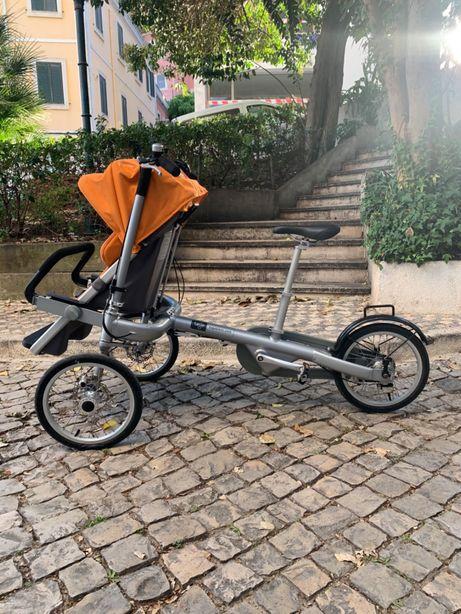 Bicicleta com cadeira de bébé incorporada