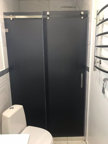 Скляні розсувні двері в душ. Раздвижные двери. Розсувна перегородка.