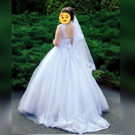 Продам шикарное дизайнерское свадебное платье Victoria Soprano