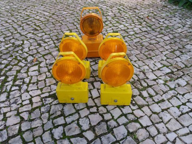 Lanternas sinalização estrada