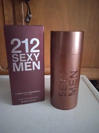 Шикарный аромат от Carolina Herrera 212 Sexy Men 100мл EDT магнит