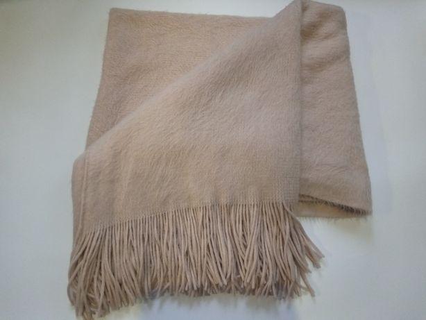 Женский шарф, шаль