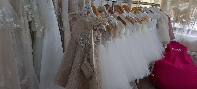 Новые нарядные детские платья для девочек 3-6 лет