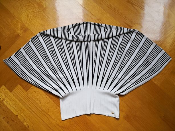 Nowy, oryginalny sweter Escada rozm. M