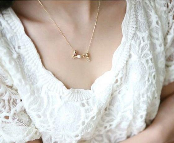 Nowy naszyjnik wisiorek łańcuszek perełka złoty love.