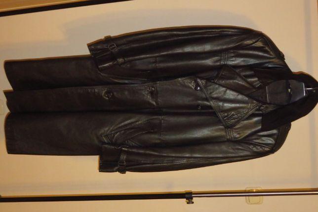 Płaszcz skórzany wysokiej jakości dwurzędowy.