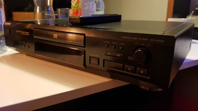 Sony Cd Compact disc player CDP-XE 220