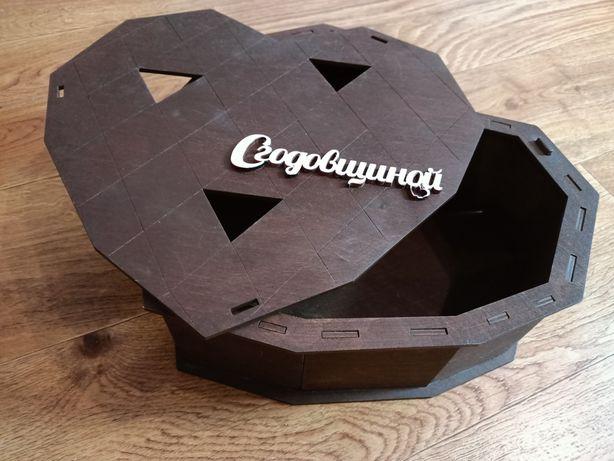 """Подарочная коробка сердце """"С годовщиной"""""""