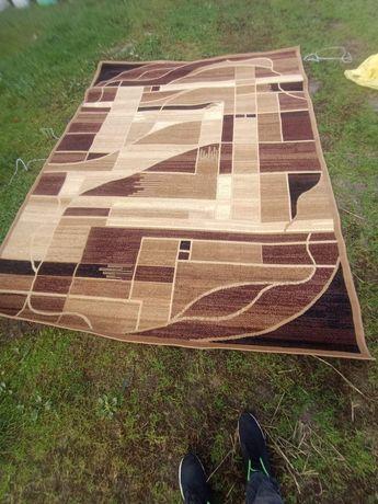 Sprzedam dywan NOWY 220 * 300 cm
