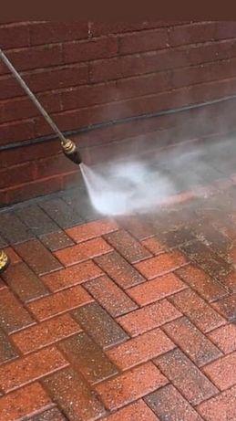 Миття бруківки , дахів ,бетонних огорож чистка