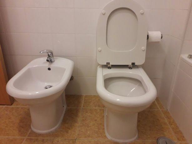 Conjunto de sanita com tanque e tampa