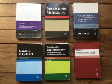 Livros Direito 1 e 2 ano