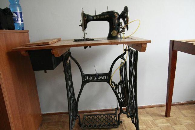 Maszyna do szycia Bobbin + stół KOKOSZKO