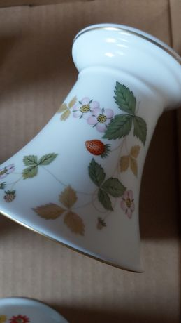 Wegwood kubki wazoniki kolekcja porcelana angielska bone china nowa