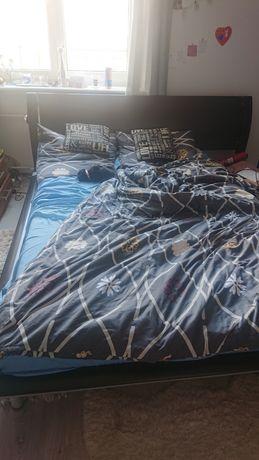 Łóżko małżeńskie sypialniane
