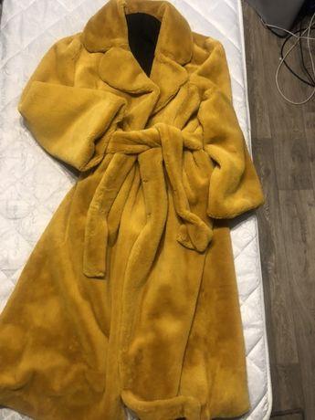 Стильная шубка,под пояс горчично-желтого цвета,искуственный мягкий мех
