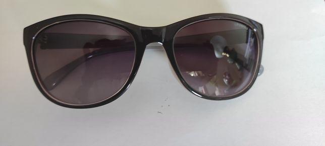 Óculos de sol de senhora, Parfois