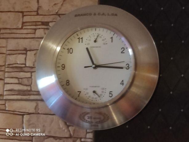 Relógio de Parede Novo em Inox
