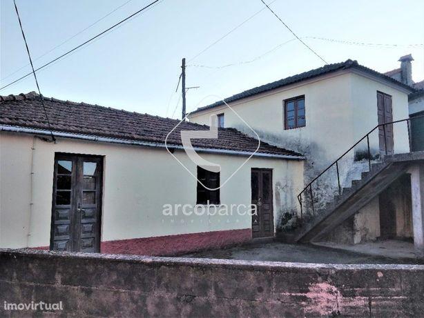 Moradia t2, independente inserida em aldeia típica - Cerdeira, Paredes
