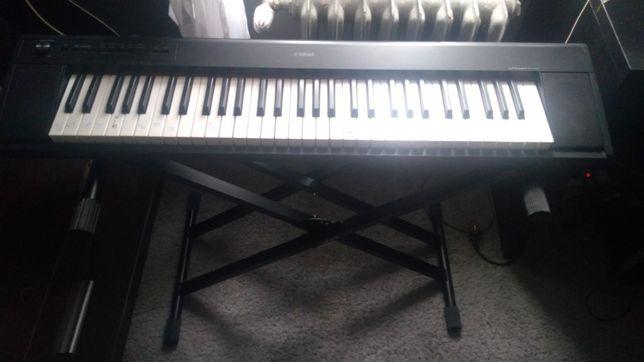 Pianino elektroniczne keyboard Yamaha NP-12B