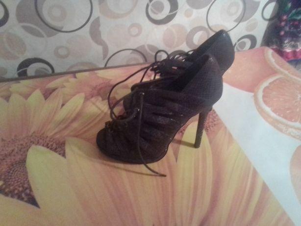 Туфли летние на каблуке