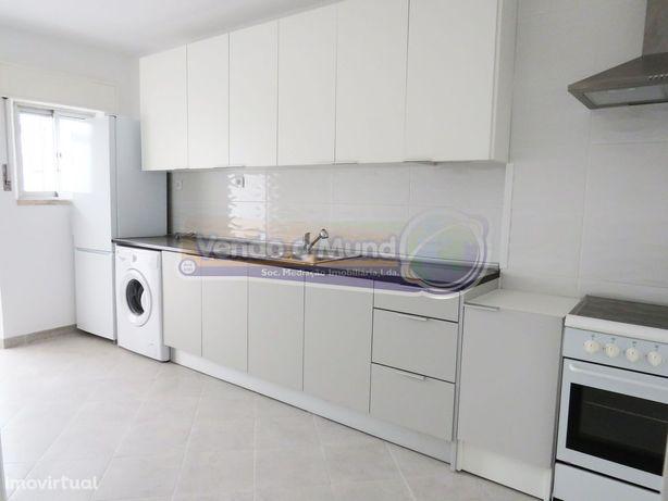 Apartamento T2 em Samora Correia (SC639)