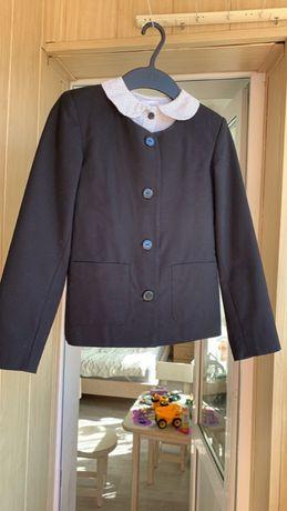 Пиджак для школы на девочку, рост 140