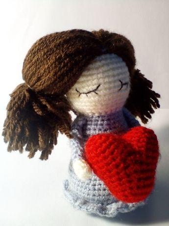 Куколка с сердечком, подарок