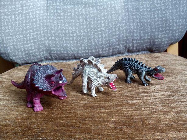 3 małe dinozaury
