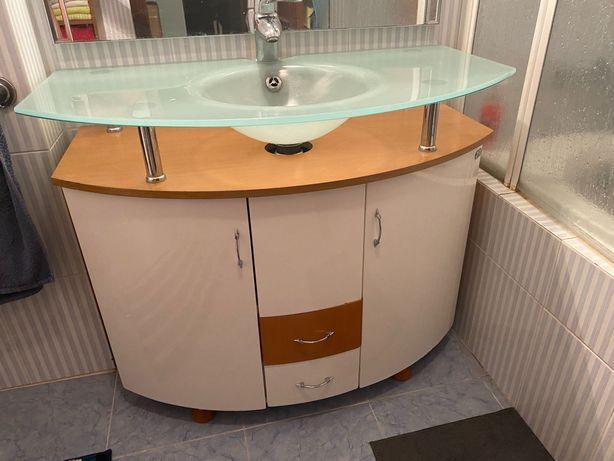 """Móveis e Artigos para  """"Casa de banho"""""""