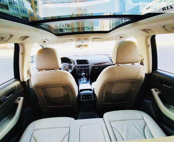 Продам машину AUDI Q5