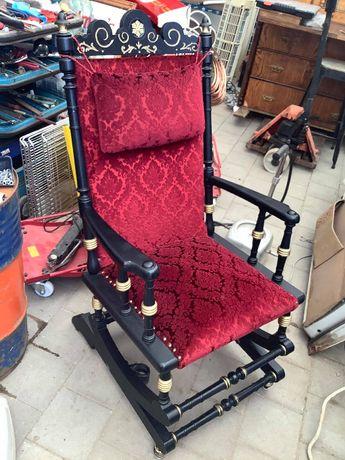 Stary fotel bujany zabytkowy