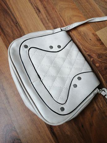 Mała kremowa torebka