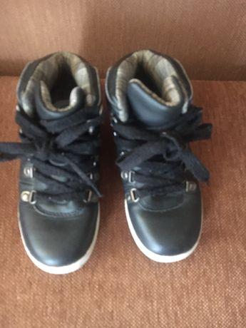 Ботинки на мальчика, размер 32