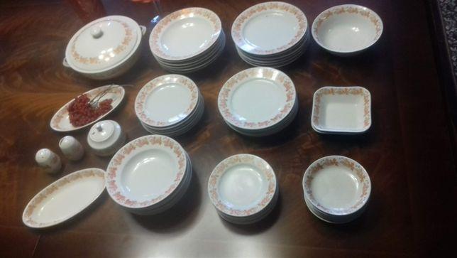 Продам сервіз столовий на 6 персон фаянсовий новий -на 52 предмети