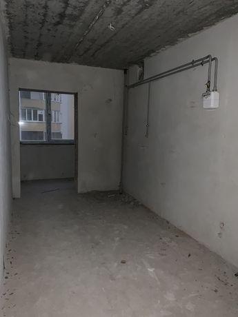 Продам 2 км.кв.вул.Незалежності(Майзлі).Новобудова,здана,заселена.Ліфт