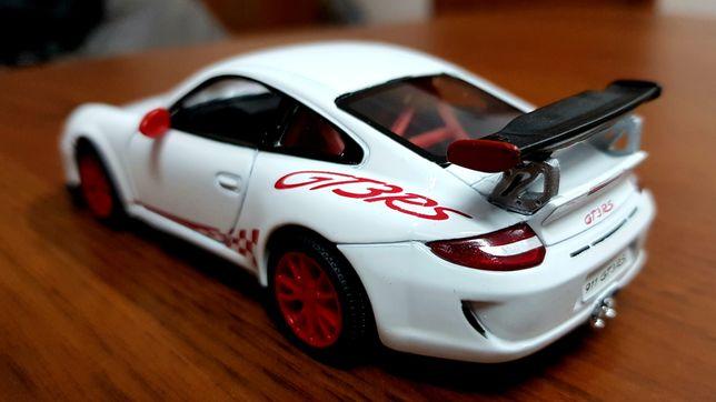 Модель автомобиля Porsche Carrera GT3 RS