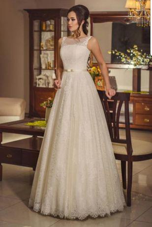 Продам свадебное платье. Очень удачное и легкое