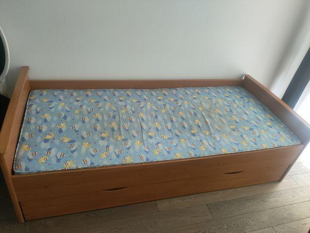 Łóżka dziecięce.