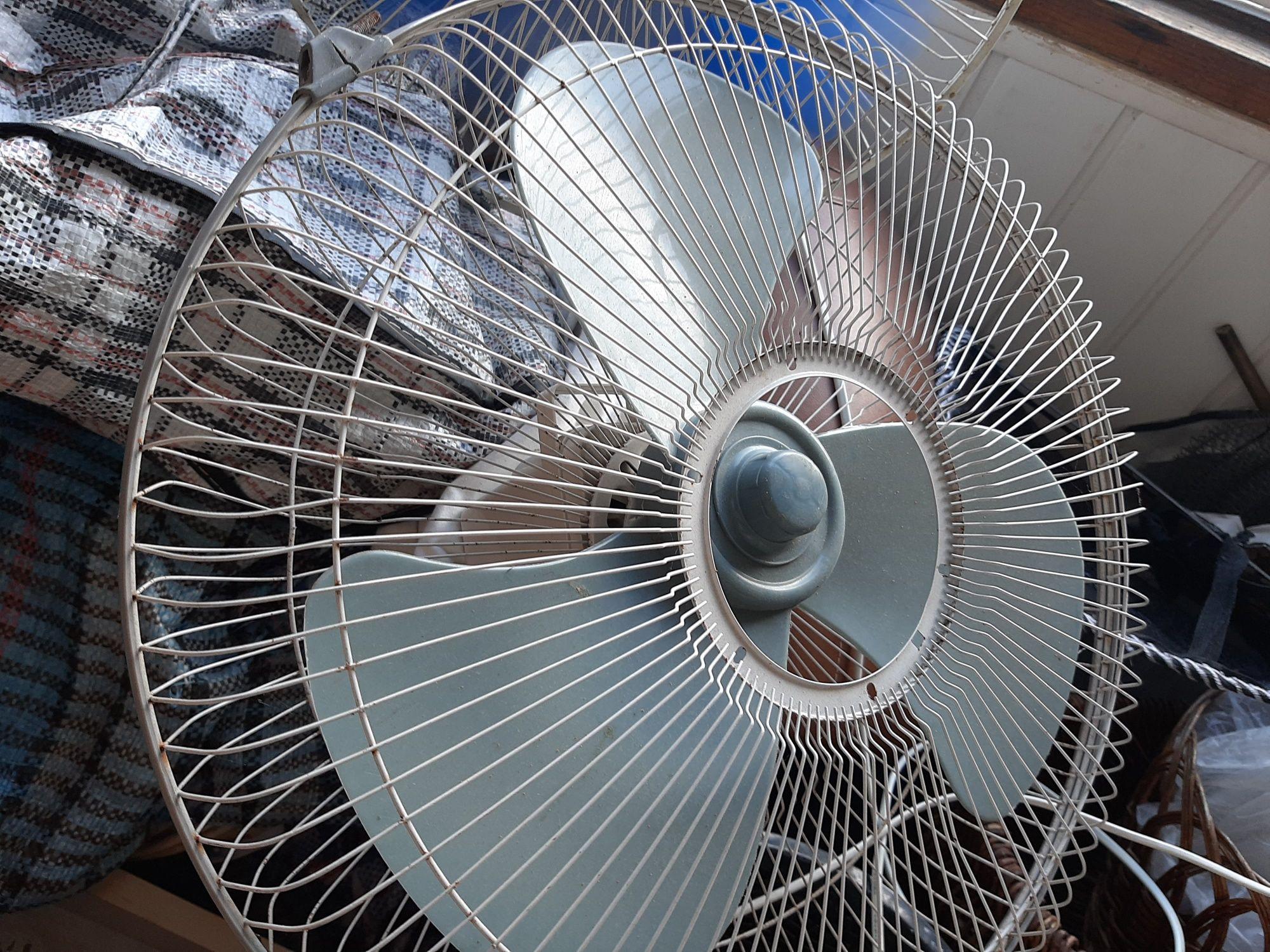 Вентилятор большой без стойки, хор раб состояние.42×22см