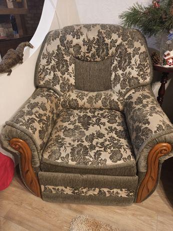 Продам два розкладних крісла