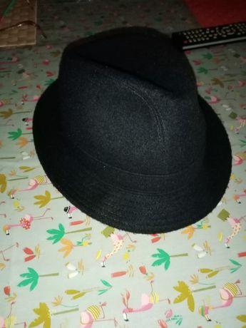 Chapéu clássico de homem