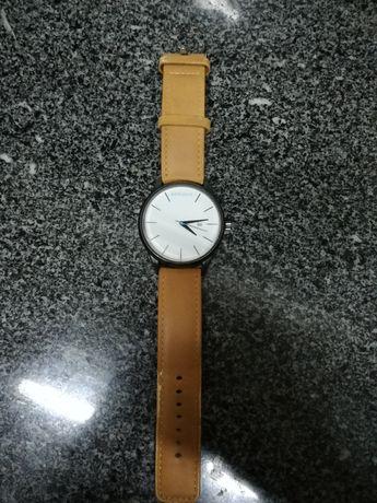 Relógio minimalista - bege