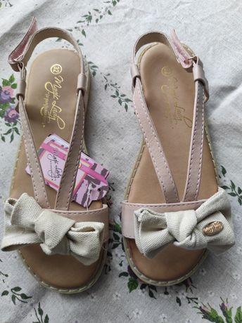 Nowe sandały CCC rozmiar 32