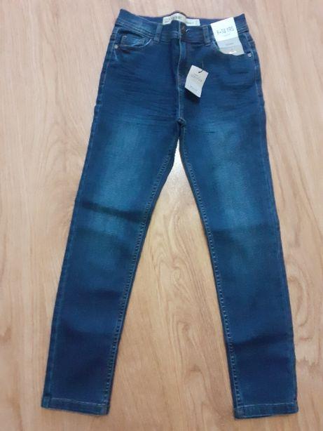 Spodnie chłopięce roz.140