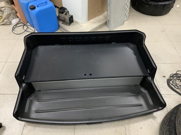 Toureg nf корыто в багажник