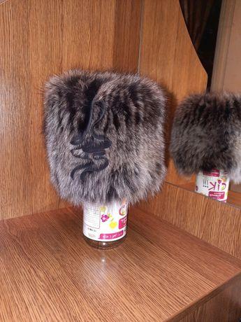 Зимняя шапка из чернобурки на вязаной основе