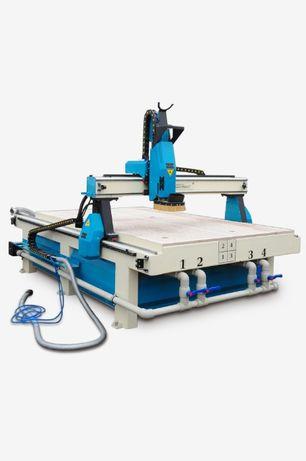 Фрезерный станок с ЧПУ 1350*2100 с вакуумным столом